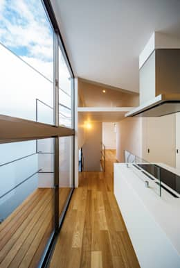 bent: 一級建築士事務所hausが手掛けたベランダです。