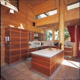 rustic Kitchen by ELK Fertighaus GmbH