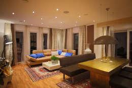 modern Living room by ELK Fertighaus GmbH