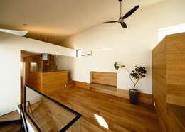 Projekty,  Salon zaprojektowane przez 一級建築士事務所haus