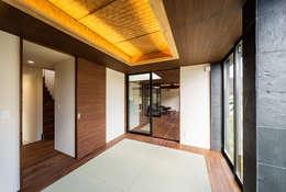 ubud: 一級建築士事務所hausが手掛けた和室です。