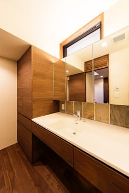 asian Bathroom by 一級建築士事務所haus