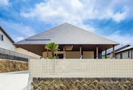 Casas de estilo asiático por 一級建築士事務所haus