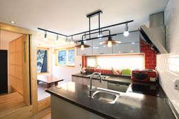 Cocinas de estilo moderno por 주택설계전문 디자인그룹 홈스타일토토