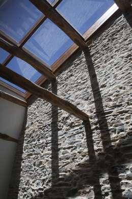 Casas de estilo rústico por Lidera domÉstica