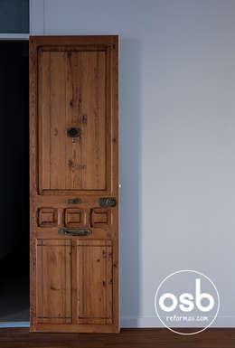 Puertas y ventanas de estilo clásico por osb reformas