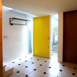 Ventanas de estilo  por ユミラ建築設計室