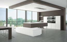 modern Kitchen by Немецкие кухни