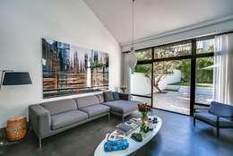 Salas de estar modernas por Meero