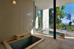 Baños de estilo moderno por アトリエ環 建築設計事務所