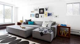 TMR Residence: Salon de style de style Moderne par Catlin stothers Interior