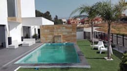 Vivienda Mijas I: Piletas de estilo moderno por Complot Arquitectos