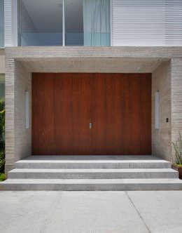 Casas de estilo moderno por BC Arquitetos