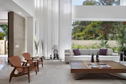 Livings de estilo moderno por BC Arquitetos