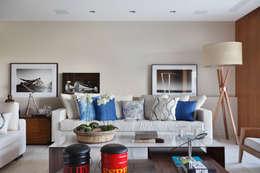 RESIDÊNCIA JP GOLDEN GREEN: Salas de estar modernas por BC Arquitetos