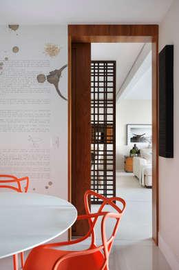 Cocinas de estilo moderno por BC Arquitetos