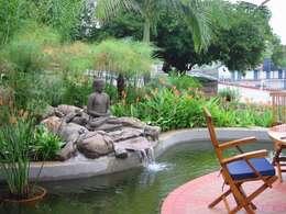 aziatische Tuin door Eduardo Luppi Paisagismo Ltda.