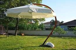Wood Garden – Bahçe Mobilyaları: akdeniz tarzı tarz Balkon, Veranda & Teras