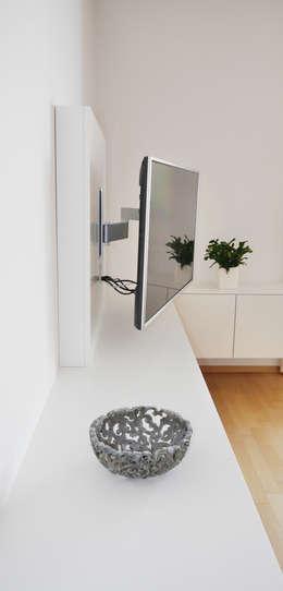 Multimedia room by Hammer & Margrander Interior GmbH