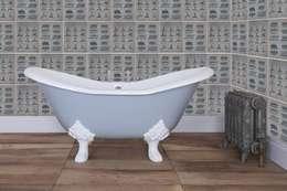 Baños de estilo clásico por UK Architectural Antiques