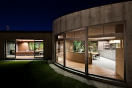 Maisons de style de style Moderne par 依田英和建築設計舎