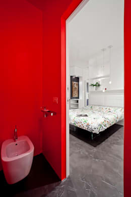minimalistic Bathroom by 23bassi studio di architettura