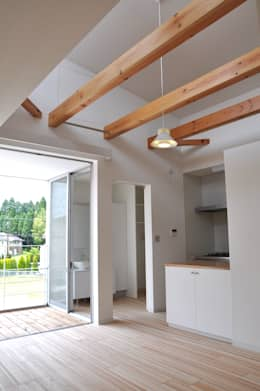 Phòng khách by アトリエ24一級建築士事務所