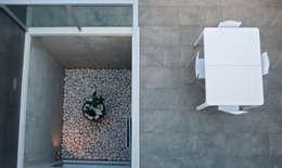 Jardines de estilo moderno por 3 M ARQUITECTURA