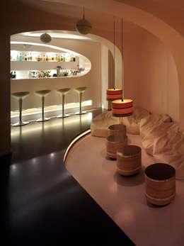 Cocktailbar Rosa Berlin S°2:  Geschäftsräume & Stores von CARLO Berlin - Architektur & Interior Design