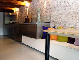 Cocinas de estilo industrial por De Ontwerpdivisie
