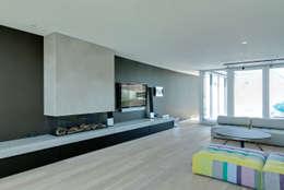 Salon de style de style Moderne par CARLO Berlin - Architektur & Interior Design