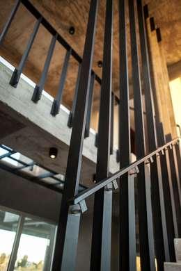 Rumah by FAARQ - Facundo Arana Arquitecto & asoc.