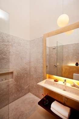 Hôtels de style  par Taller Estilo Arquitectura