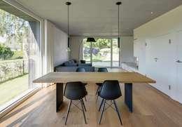 Projekty,  Jadalnia zaprojektowane przez Haus Wieckin