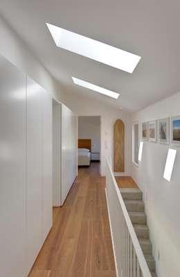 Projekty,  Sypialnia zaprojektowane przez Haus Wieckin