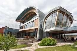 Sailor House: Tерраса в . Автор – NEWOOD - Современные деревянные дома