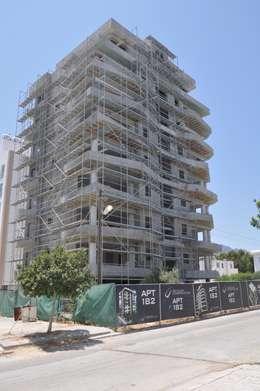 Casas clássicas por ÖZYALÇIN CONSTRUCTION