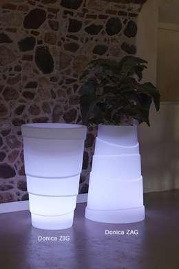 Donice podświetlane ZIG ZAG: styl , w kategorii Zieleń wewnątrz zaprojektowany przez Hydroponika - Wnętrz i zieleń