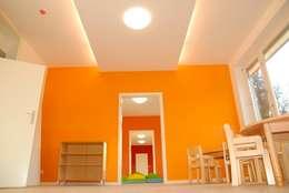 Umbau in eine Kindertagesstätte in Berlin-Charlottenburg - Gruppenräume: moderne Kinderzimmer von Schenning-Architekten