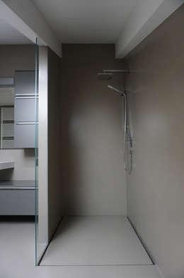 Baños de estilo  por Plus Concept Studio