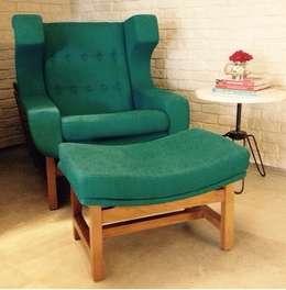 Residência Barramares: Sala de estar  por Flavia Lucas & Adriana Esteves  - Arquitetura