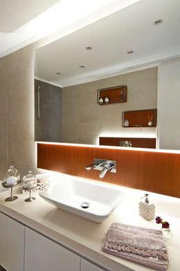 Baños de estilo  por Canan Delevi