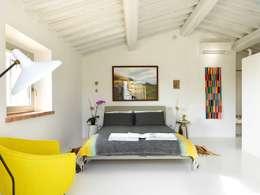 minimalistic Bedroom by CASABELLA