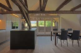 heim+müller Architektur: kırsal tarz tarz Mutfak