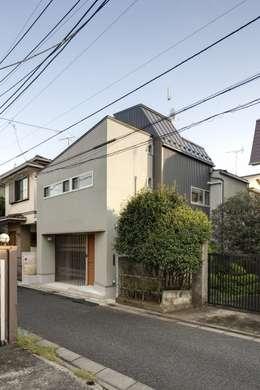Projekty, nowoczesne Domy zaprojektowane przez 株式会社FAR EAST [ファーイースト]