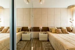klassische Schlafzimmer von Chris Silveira & Arquitetos Associados