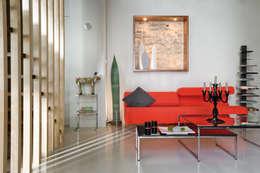 Loft Talensac: Salon de style de style Classique par Les Colorantes