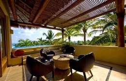 Casa Cariza: Salas de estilo topical por BR  ARQUITECTOS
