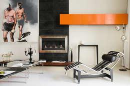 Loft Talensac: Salon de style de style Moderne par Les Colorantes