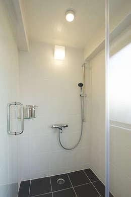 ห้องน้ำ by 有限会社タクト設計事務所